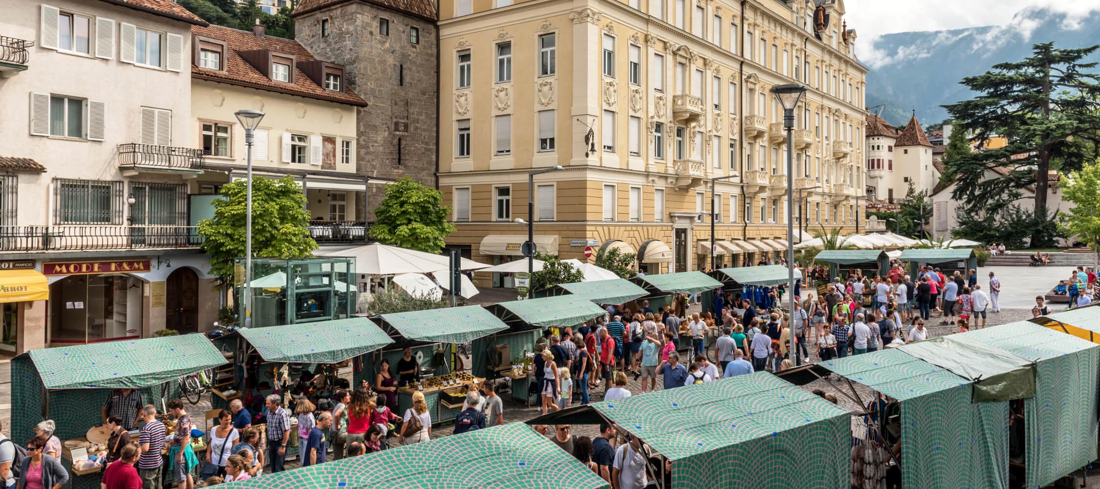 Meran, Altstadt, Wochenmarkt, Bauernmarkt, Shopping, City Hotel Meran, Hotel Flora