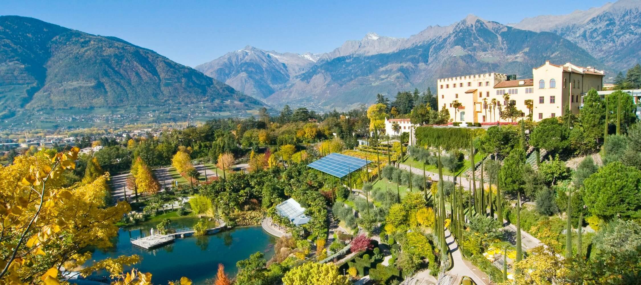 Italien-Trentino_Suedtirol_Alto_Adige_Merano_Meran_Natur_Besichtigen_Botanischer_Garten_Gaerten_von_Schloss_Trauttmansdorff-Herbst_2250x1000