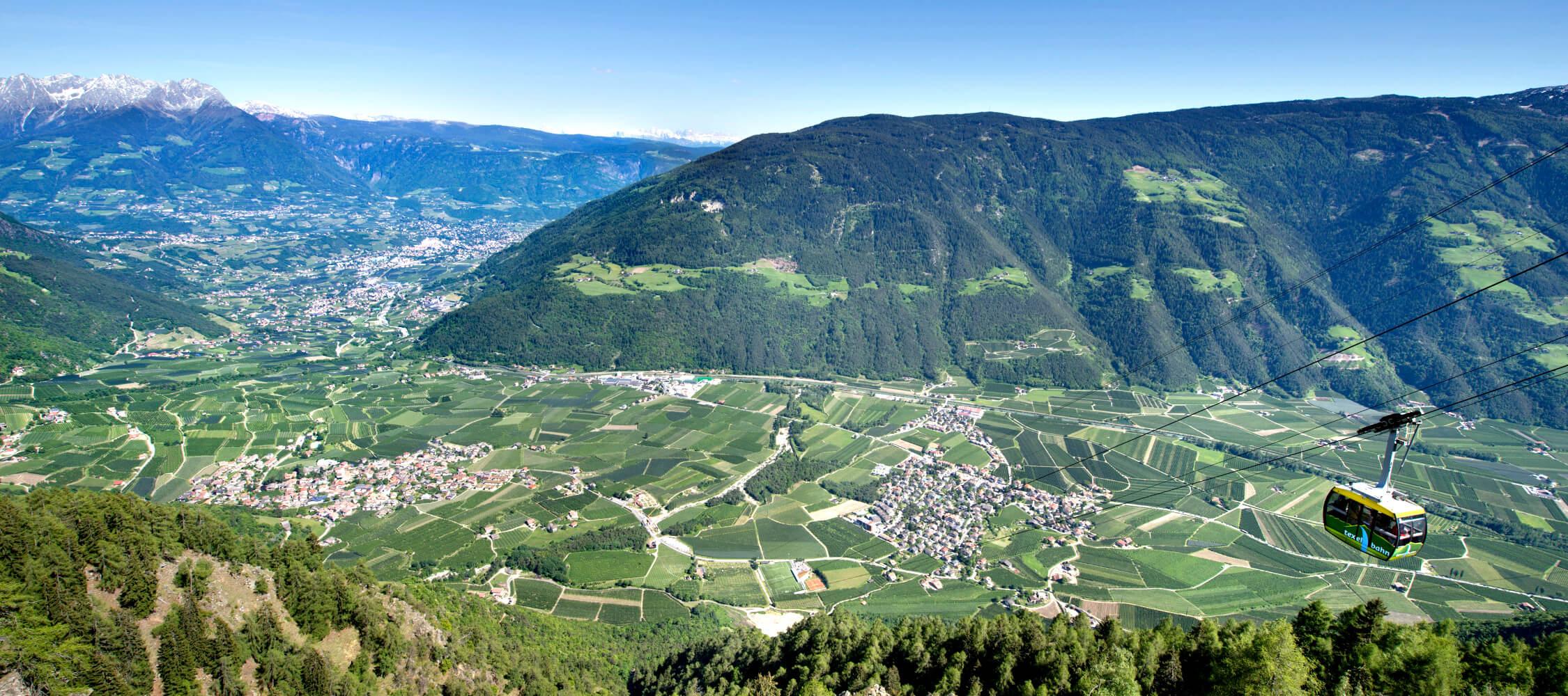 Italien-Trentino_Suedtirol_Alto_Adige_Merano_Meran_Natur_Panorama_Talkessel_Seilbahn_Partschins_TVPartschins-Helmuth-Rier_mgm00656heri_2250x1000