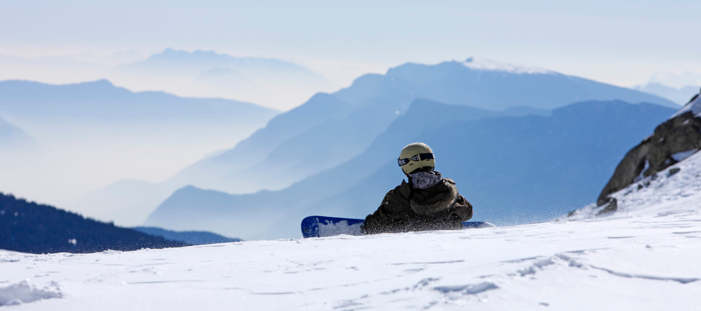 Italien-Trentino_Suedtirol_Alto_Adige_Merano_Meran_Natur_Sport_Winter_Schnee_Ski_Snowboard_Panorama_Berge_MGM-Frieder-Blickle_mgm00181frbl_2250x1000