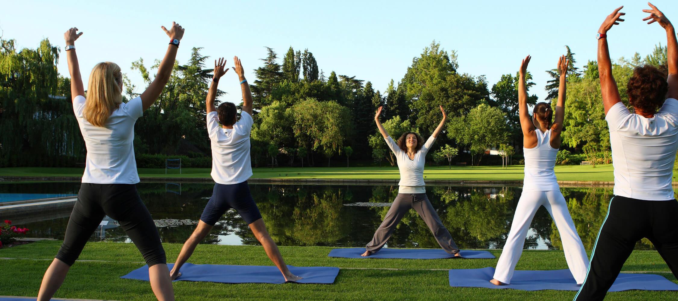 Italien-Trentino_Suedtirol_Alto_Adige_Merano_Meran_Sport_Fitness_Yoga_Therme_Park_Wellness_Balance_Therme-Meran-Mario-Entero_mgm00309maen_2250x1000