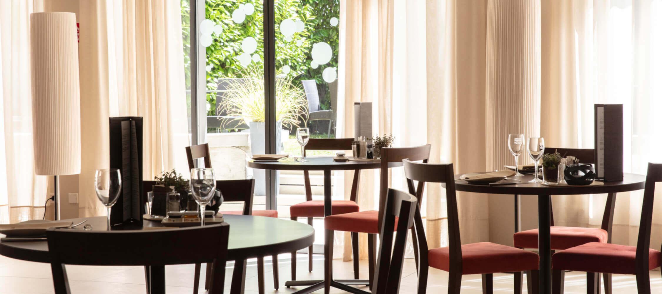 City_Hotel_Merano_Restaurant_City_BeatricePilotto_3T1A2083_2250x1000