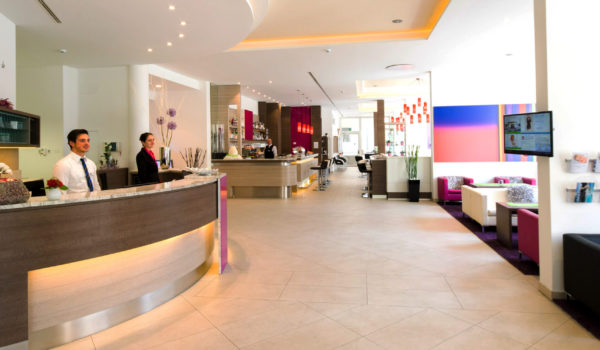 Das neue Business Hotel in Meran, Ihr Partner für erfolgreiche Geschäfte. Geöffnet an 365 Tagen im Jahr. Für eine Firmenreise, ein Team-Meeting, einen Workshop. Oder für Geschäftsreisende. ©Florian Busch