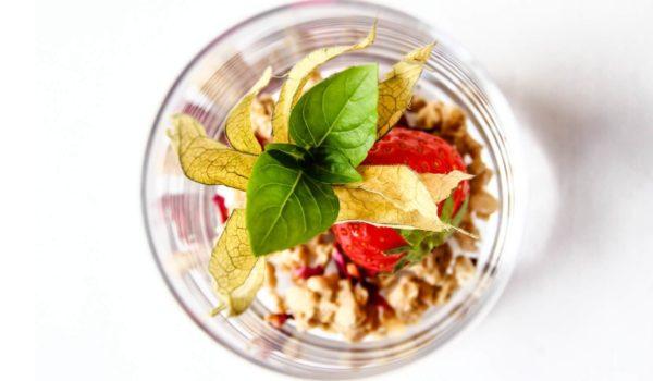 City Hotel Meran, bunte Frühstücksideen für den perfekten Start in den Tag. Große Auswahl an Obst, Müsli und frischen Säften. ©Anguane