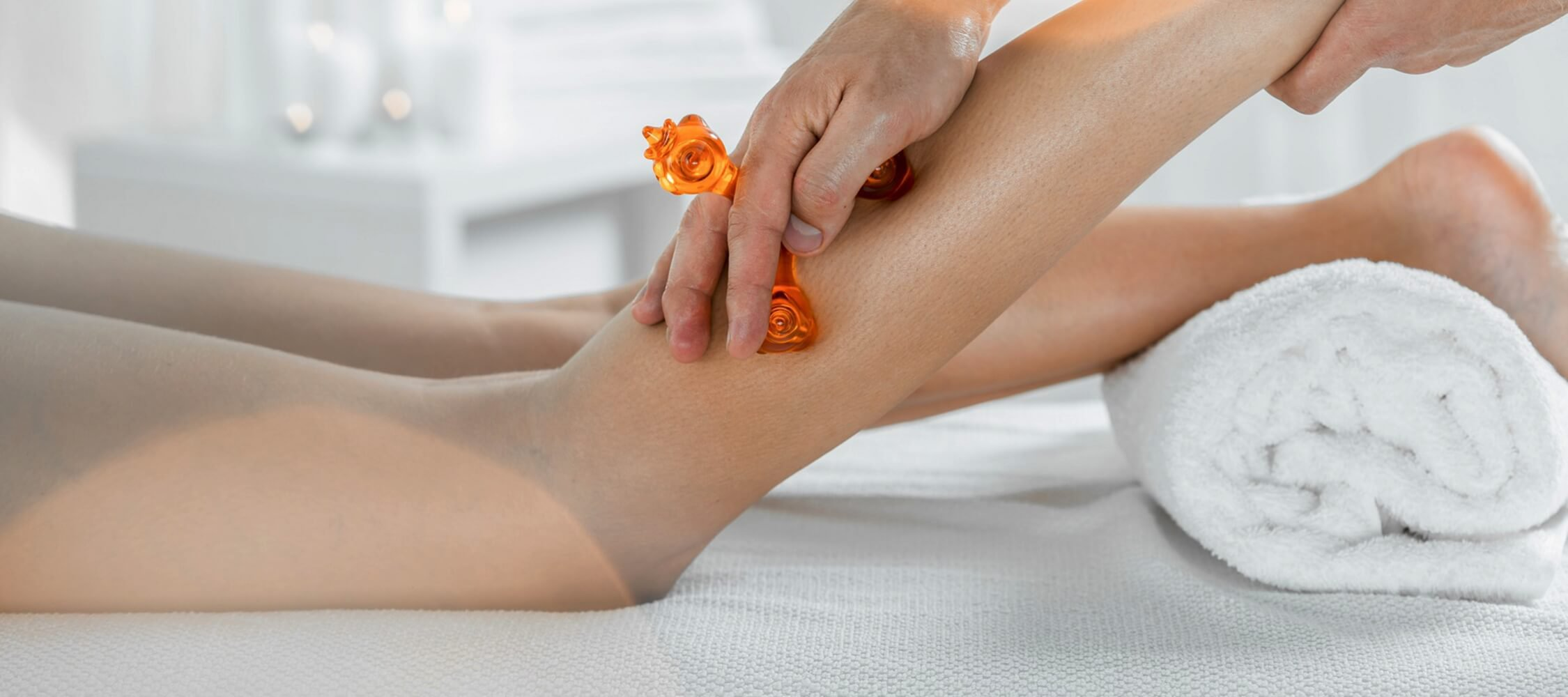 City_Hotel_Merano_Spa_Massage_Fuss_Beine_Anti_Cellulite_90065185_2250x1000