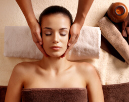City_Hotel_Merano_Spa_Massage_Kopf_Nacken_46871502_255x202