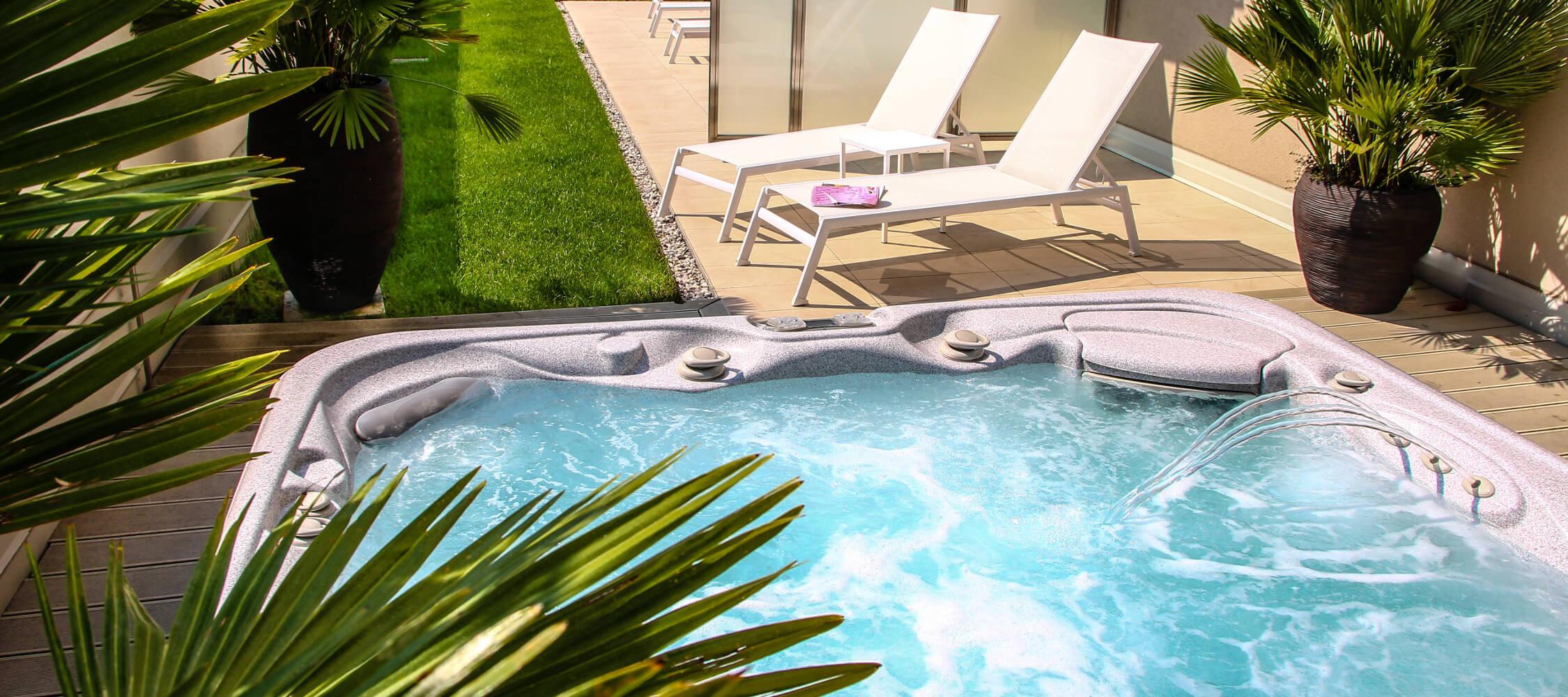 City_Hotel_Merano_Spa_Terrasse_Jacuzzi_Whirlpool_Anguane_2053_2250x1000