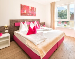 City Hotel Merano, near historic center, 2-room City suite, balcony, modern, air conditioning