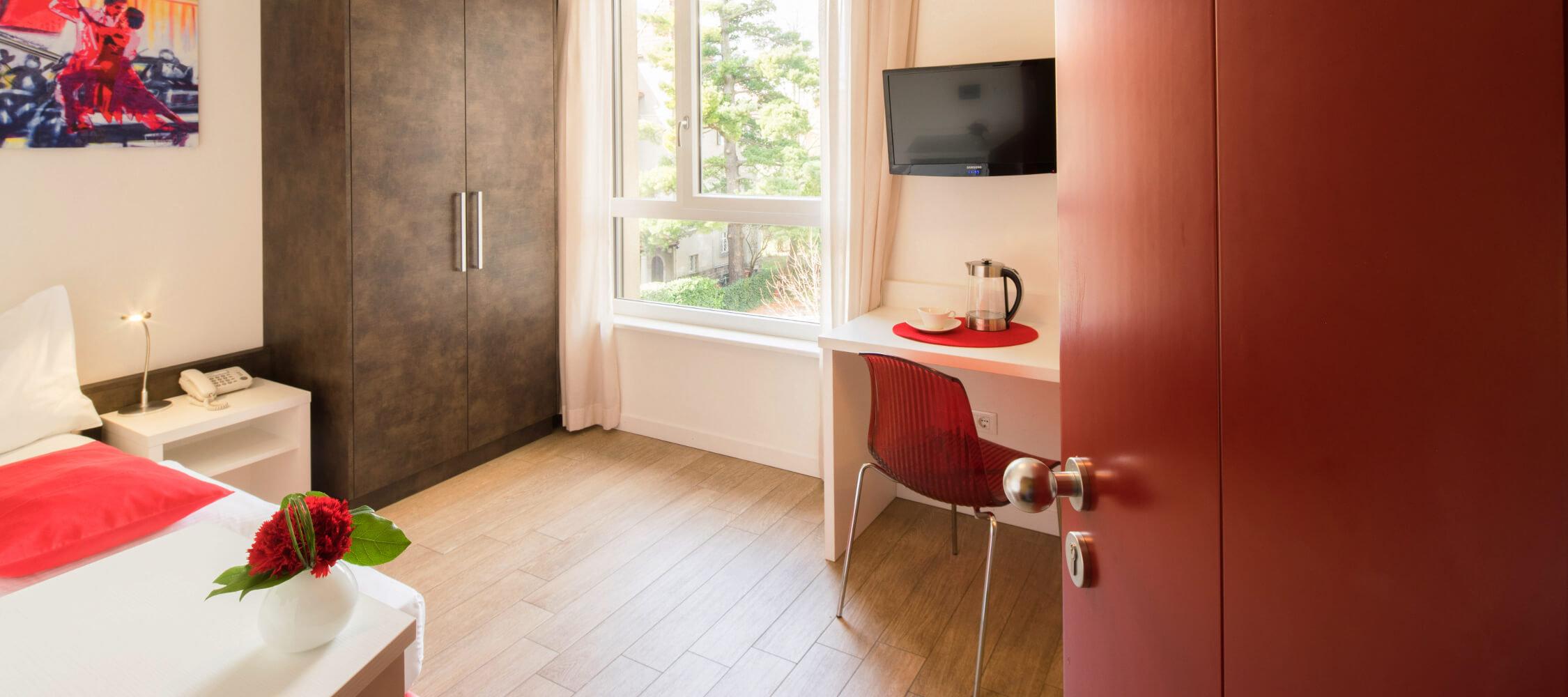 city hotel meran einzelzimmer mit klimaanlage meran. Black Bedroom Furniture Sets. Home Design Ideas