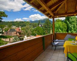 Hotel_Flora_Merano_Rooms_Komfort_Doppelzimmer_Orchidee_Terrasse_PeterPaulGasser_201216Jul_255x202