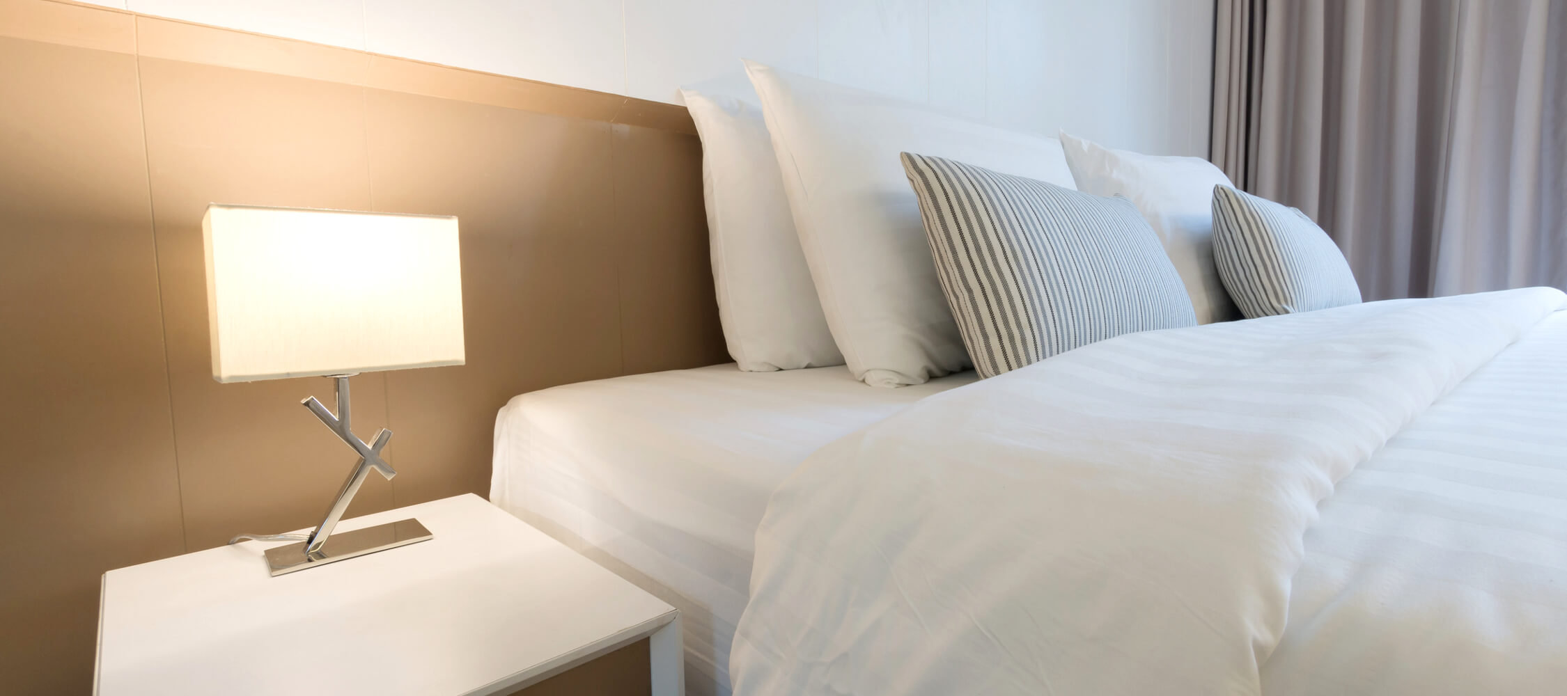 Hotel_Flora_Merano_Rooms_Superior_Doppelzimmer_Calla_155080777_2250x1000