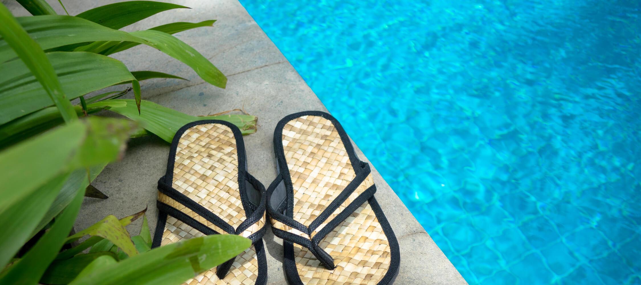 Hotel_Flora_Merano_Wellness_Garten_Freischwimmbad_Detail_141463364_2250x1000