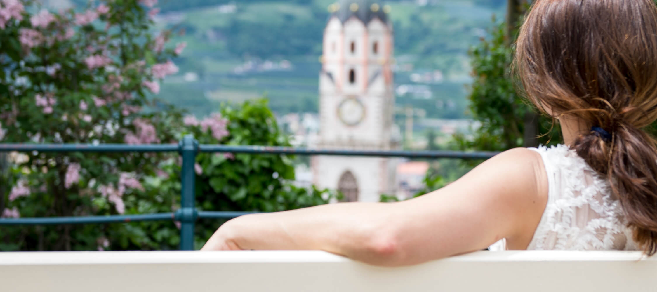 Italien-Trentino_Suedtirol_Alto_Adige_Merano_Meran_Besichtigen_Natur_Promenade_Tappeinerweg_Relax_Sommer_Spring_Kurverwaltung-Alex-Filz_26_2250x1000