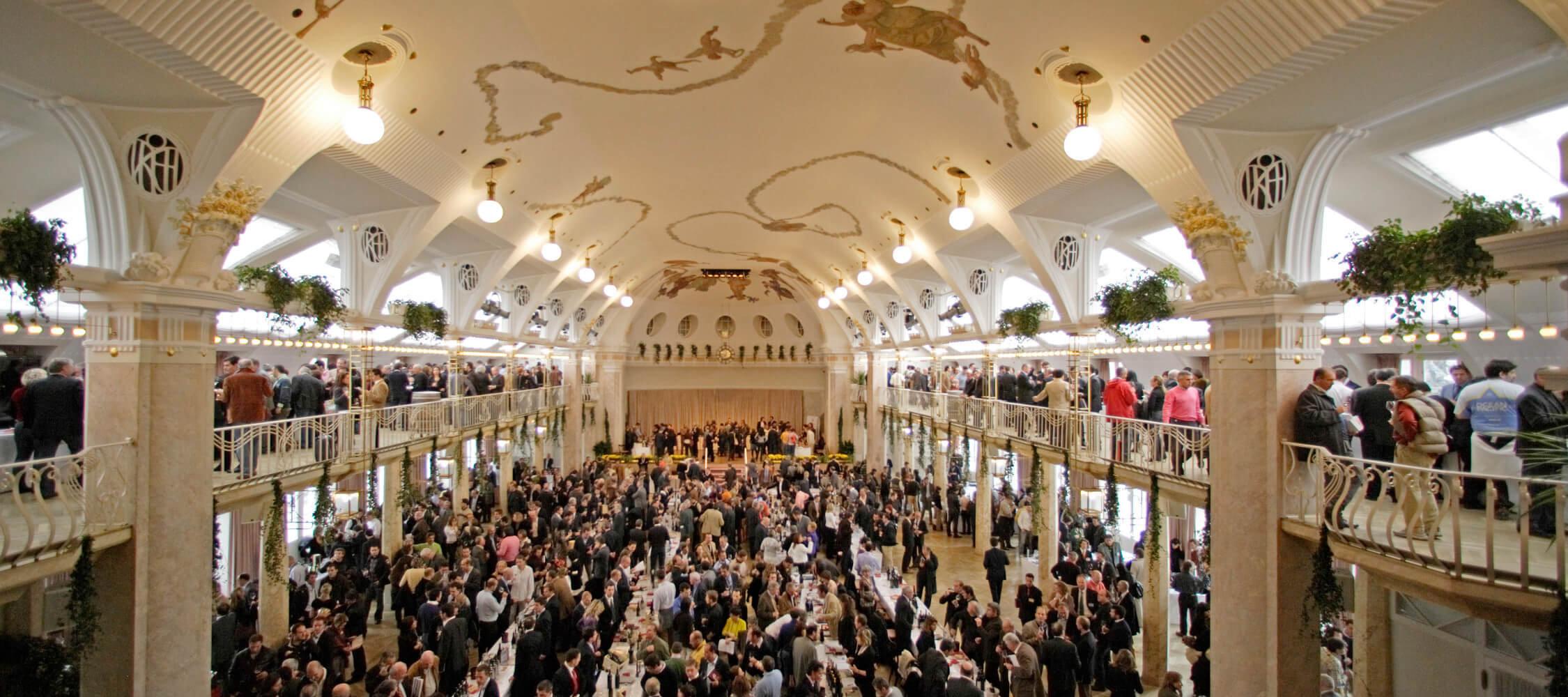 Italien-Trentino_Suedtirol_Alto_Adige_Merano_Meran_Business_Convention_Event_Kursaal_Winefestival_MGM-Frieder-Blickle_mgm01259idm_2250x1000