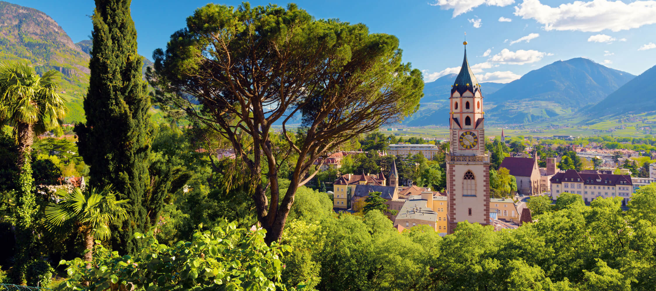Italien-Trentino_Suedtirol_Alto_Adige_Merano_Meran_Natur_Tappeinerweg_Panorama_77608562_2250x1000