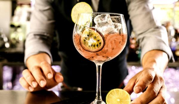 Uno dei tanti e gustosi selezionati cocktails. THE GALLERY, il vostro bar al City Hotel Merano. Per ospiti dell'hotel ed esterni.