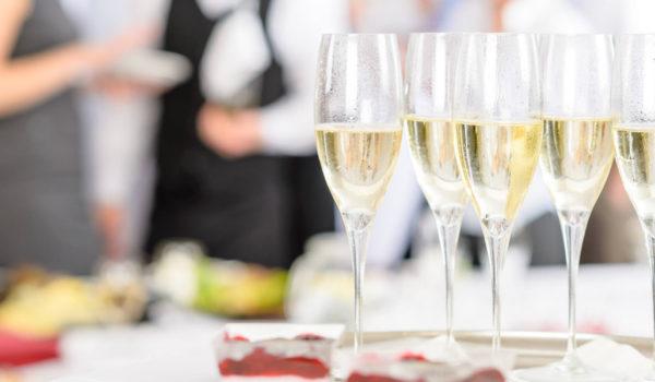 Festeggia nei ristoranti del City Hotel Merano. La location perfetta per festeggiare nel centro di Merano. Per ospiti dell'albergo e visitatori esterni.