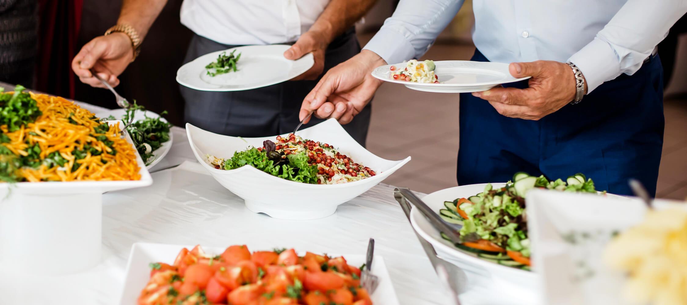 Restaurant_Tapas_Bar_The_Gallery_City_Hotel_Merano_Essen_Buffet_Vegetarisch_Salat_Gemuese_Vorspeise_Dinner_Abend_Menu_DSC0900_2250x1000