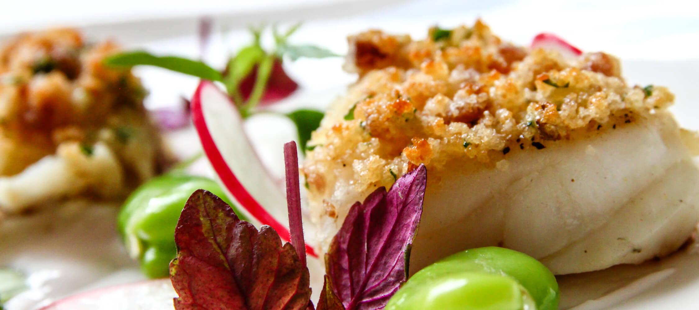 Restaurant_Tapas_Bar_The_Gallery_City_Hotel_Merano_Essen_Fisch_Vorspeise_Hauptspeise_Dinner_Abend_Menu_Anguane_1080_2250x1000