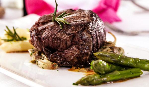 Restaurant Tapas Bar The Gallery, City Hotel Abendmenü mit fünf mediterran inspirierten Gängen, mit zahlreichen Wahlmöglichkeiten und einem geschmackvollen Vorspeisen-  und Salatbuffet,©Anguane