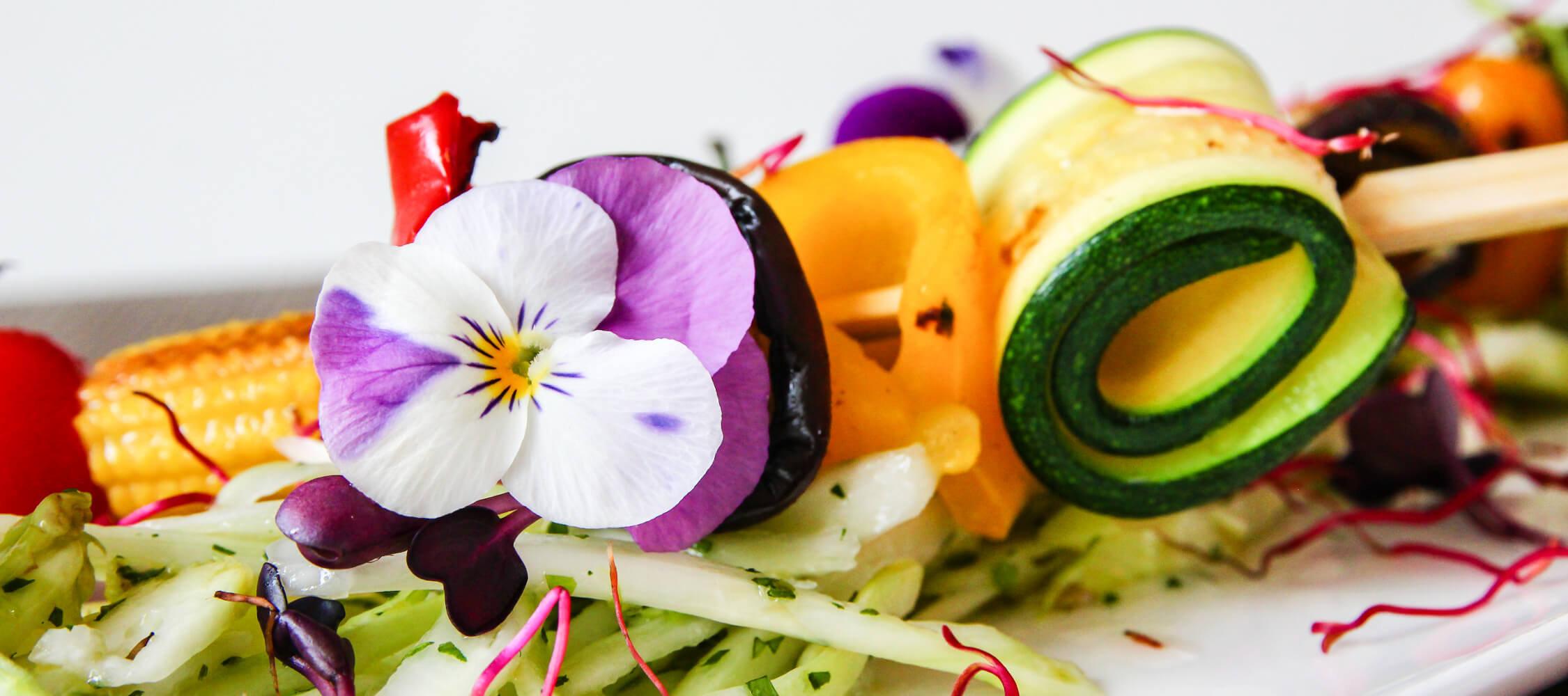 Restaurant_Tapas_Bar_The_Gallery_City_Hotel_Merano_Essen_Vegetarisch_Salat_Gemuese_Tapas_Antipasto_Vorspeise_Hauptspeise_Dinner_Abend_Menu_Anguane_4931_2250x1000
