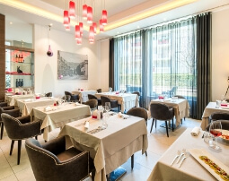 Ristorante The Gallery, Tapas Bar, City Hotel Merano, ambiente moderno, buffet di insalate, business lunch