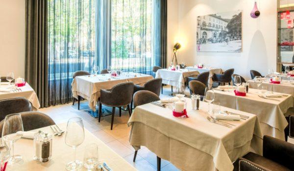 Celebrazioni aziendali o cene aziendali nel tuo ristorante in città. Spazioso, luminoso e moderno, con un'atmosfera informale. ©Forian Busch