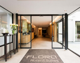 Hotel Flora, 3 stars, Merano, B&B, near oldtown, center, South Tyrol west, 60 suites, swimmingpool, garden, family, business