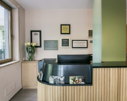 Hotel Flora, Merano, 60 suites, 3 stars hotel, central and quiet location, near Old Town and railway station, Terme Merano