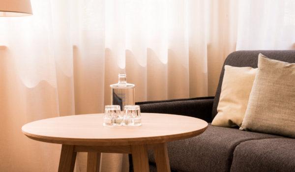 Behagliche Zimmer in verschiedenen Größen, elegante Suiten, Balkone mit Ausblick, aufgeteilt auf 4 Stockwerke. ©Beatrice Pilotto