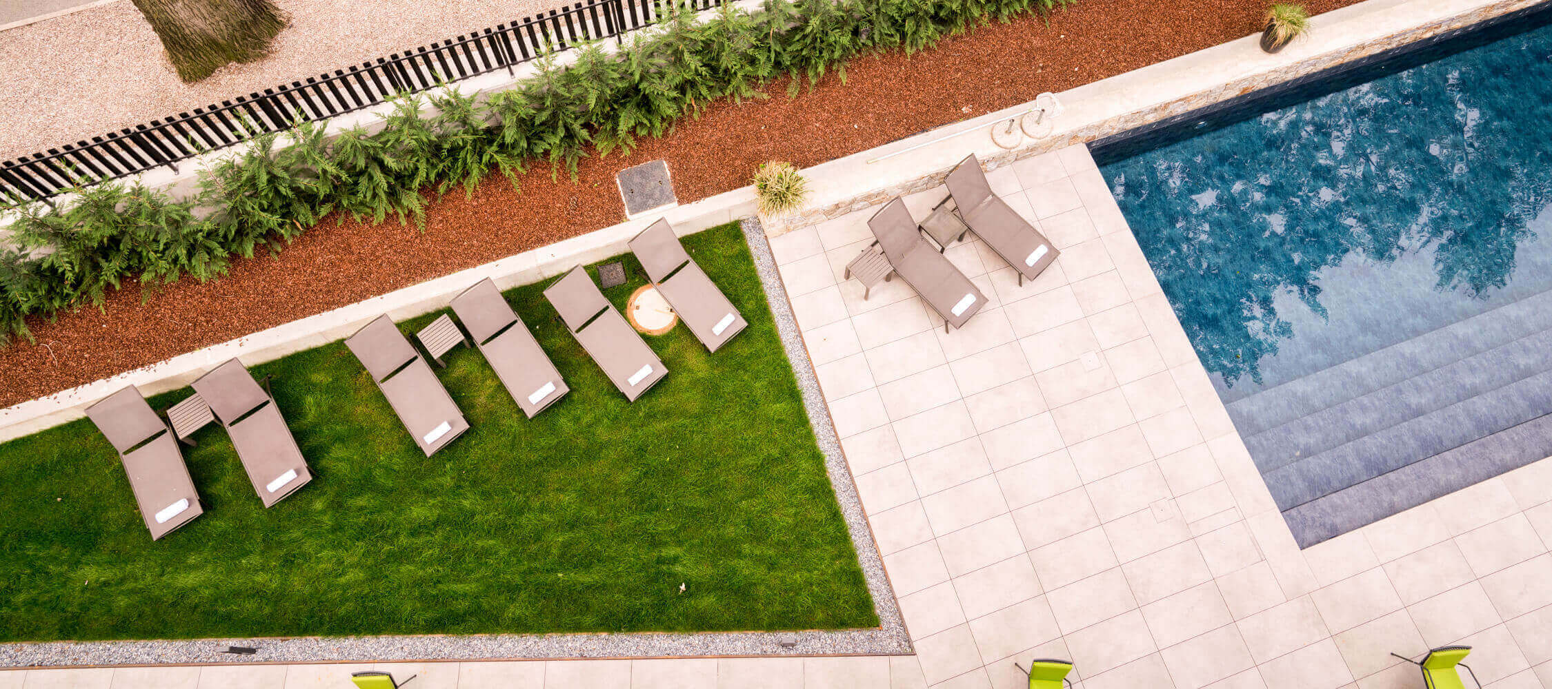 Hotel Flora, Meran, Nähe Thermalzentrum, Kurpromenade, Freischwimmbad, mediterraner Garten, Jacuzzi, Liegewiese, ruhige Lage