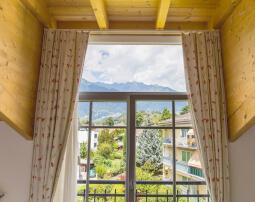 Hotel-Villa-Laurus-Merano-Rooms-Doppelzimmer-Vista-Panorama-Anguane-6950-255x202