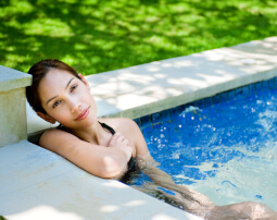 Hotel-Villa-Laurus-Merano-Wellness-Garten-Pool-Detail-23268954_L-255x202