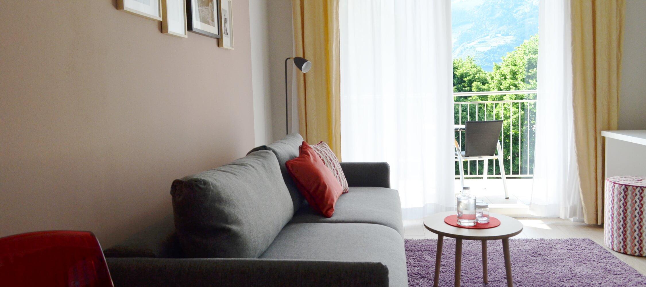City_Hotel_Merano_Suite_Lifestyle_Wohnzimmer_Detail_0603_2250x1000