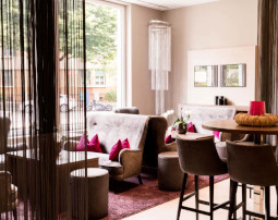 City_Hotel_Merano_Lobby_BeatricePilottto_DSC03665_255x202