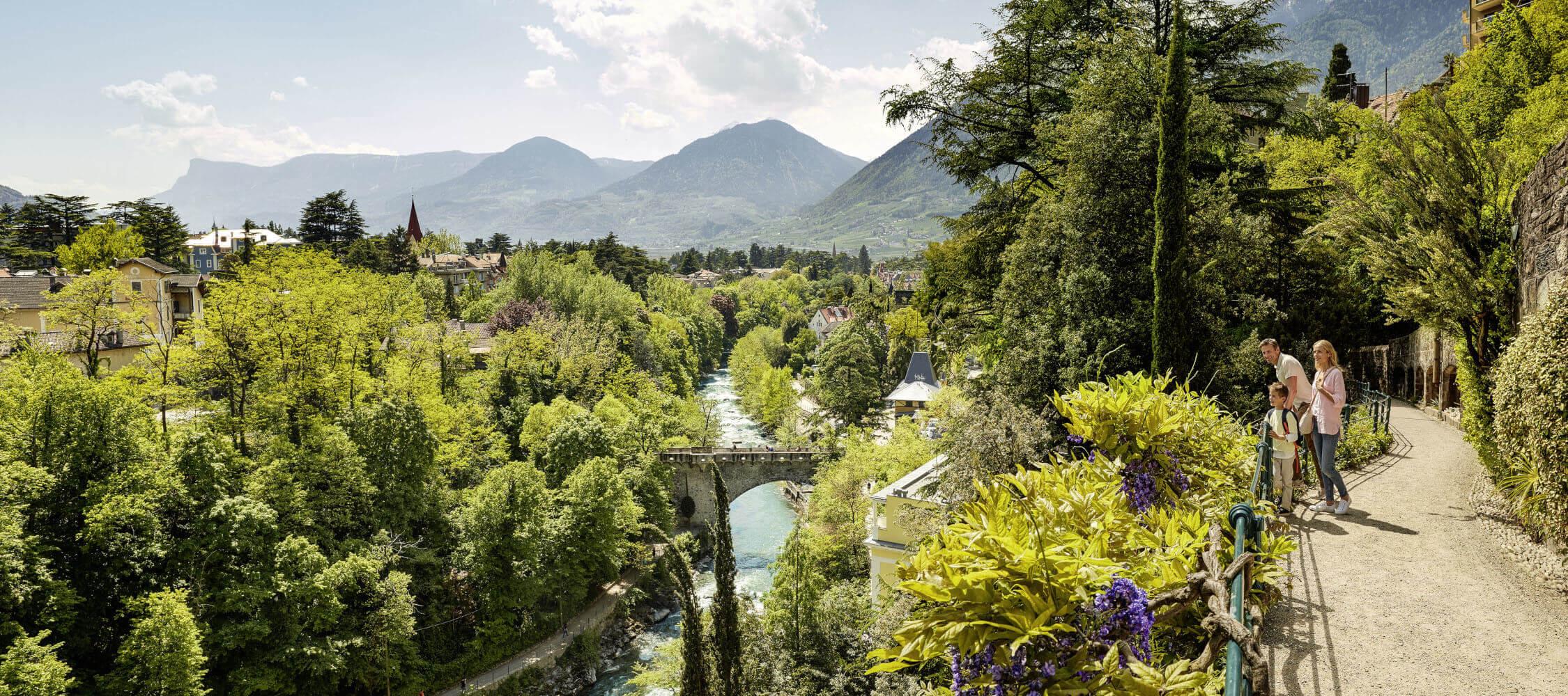 Italien-Trentino_Suedtirol_Alto_Adige_Merano_Meran_Natur_Panorama_Tappeinerweg_IDM_AndreasMierswa_3_2250x1000