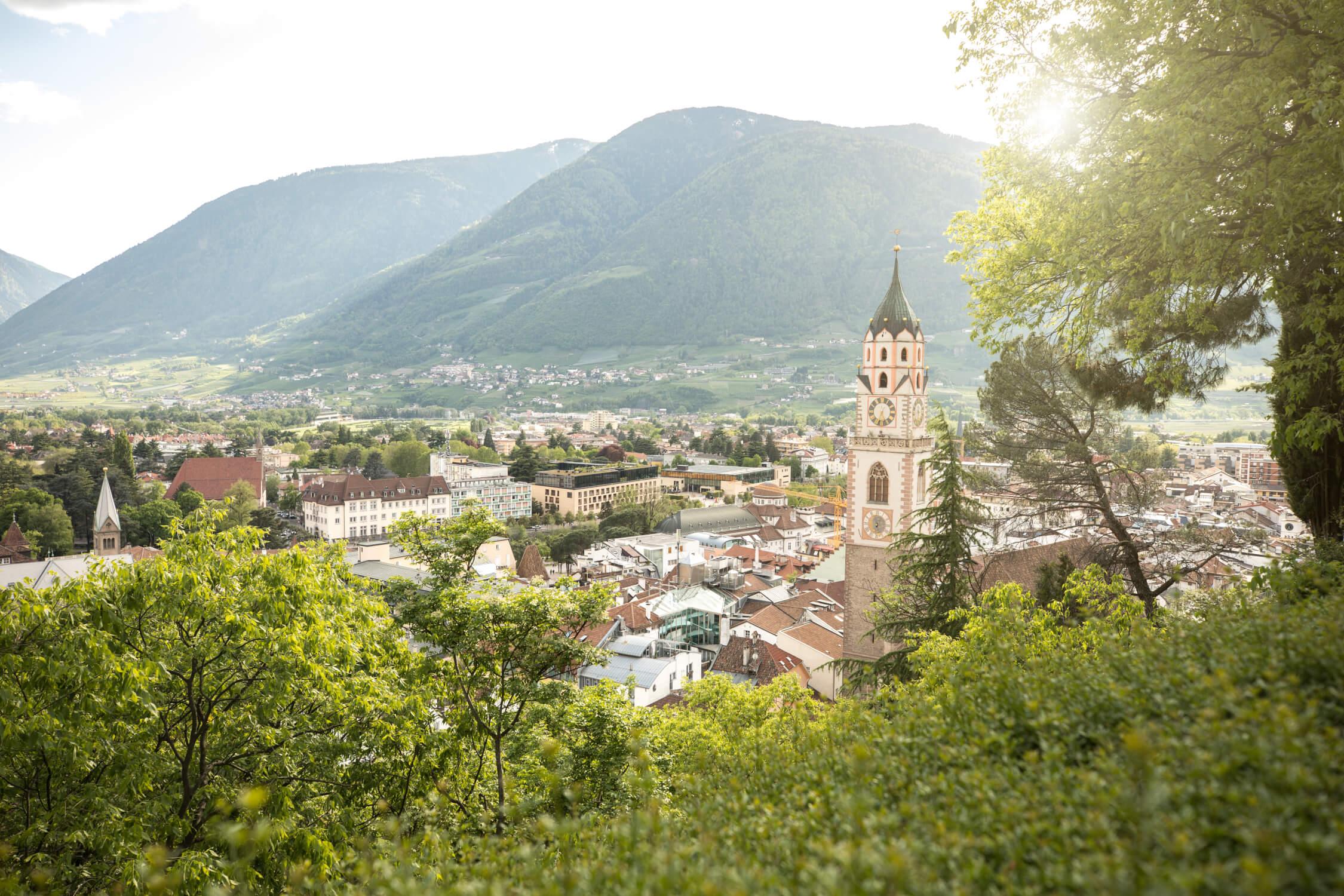 Italien-Trentino_Suedtirol_Alto_Adige_Merano_Meran_Natur_Panorama_Tappeinerweg_IDM_MarionLafogler_idm06975mala_2250x1500